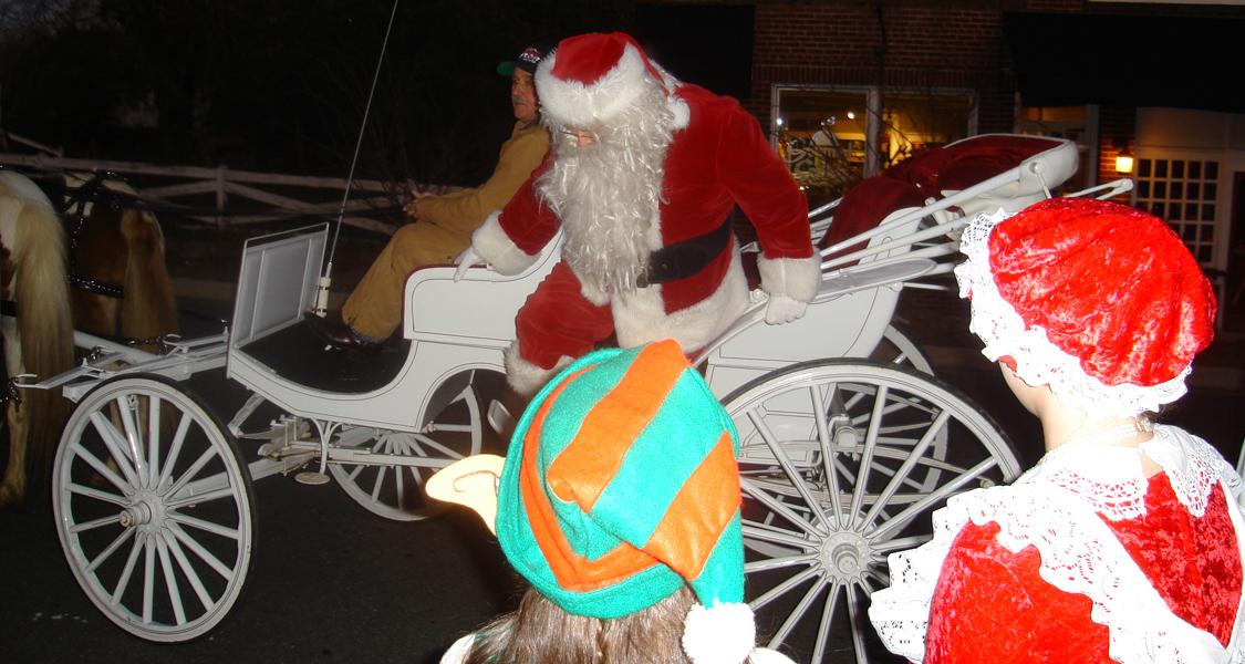 12/6 Santa Comes toTown